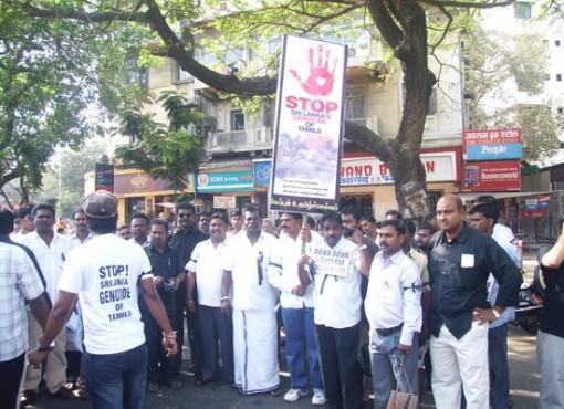 mumbai_human_chain_20090301_003